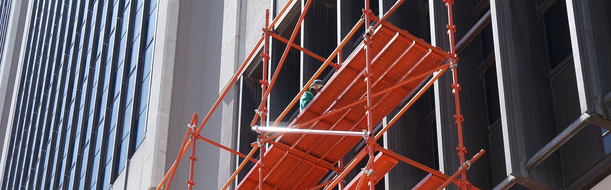 2000x624_electrical_Scaffolding_construction_site_cape_town